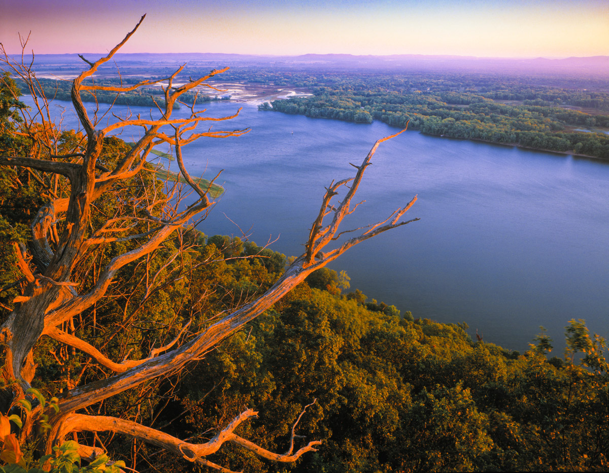 Mississippi River, Kipp State Park, Great River Bluffs, sunrise photographed by Tom Till